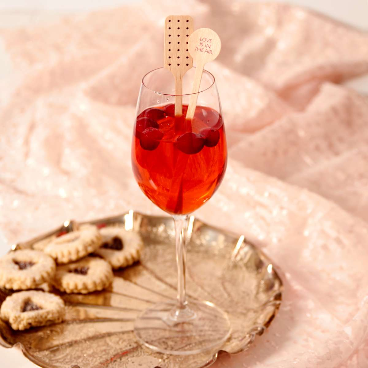 cranberry vanilla mimosa winter cocktail