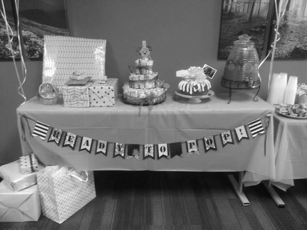 baby shower with diaper cake